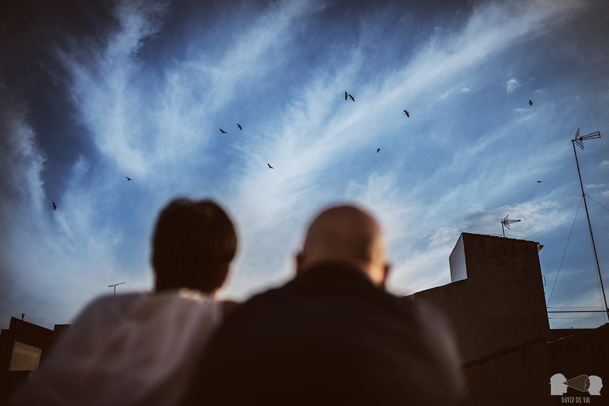 fotógrafos-bodas-lleida-barcelona-preboda-rural-amapolas-roselles