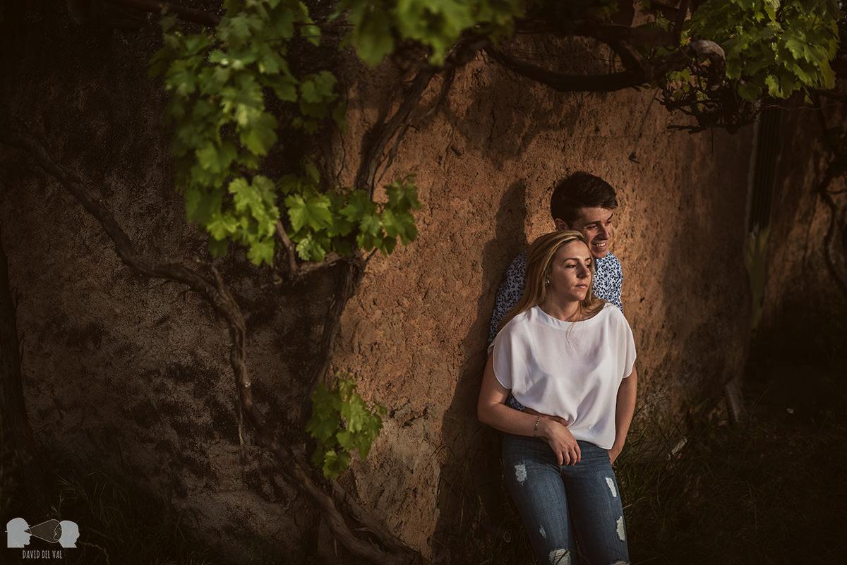 fotógrafos-bodas-lleida-barcelona-preboda-rural-amapolas-roselles-02