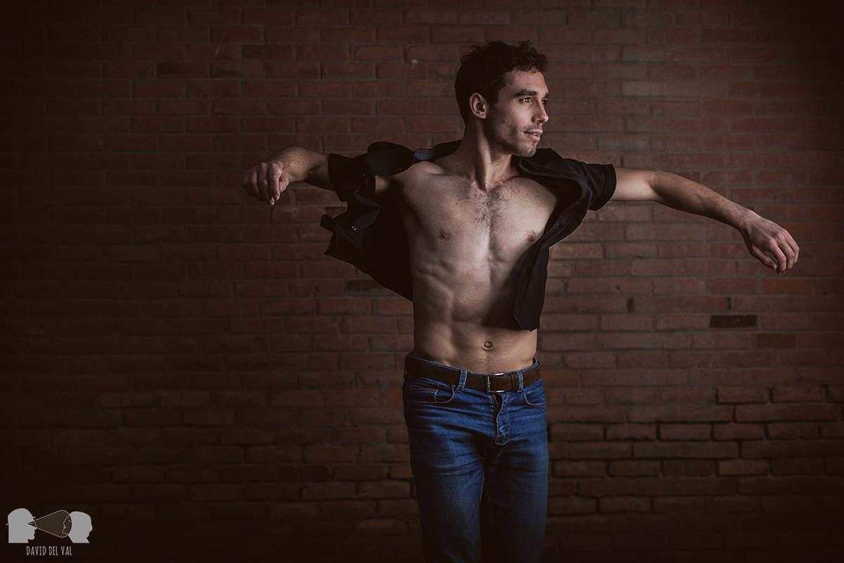 El book de bailarín de Oriol Anglada. Street portraits en Barcelona